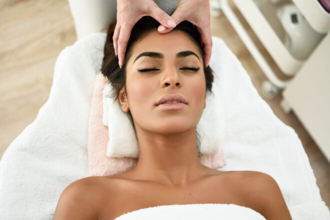 Relaxing head massage at willowwellbeing
